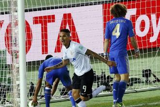 Паоло Герреро вновь забил победный гол