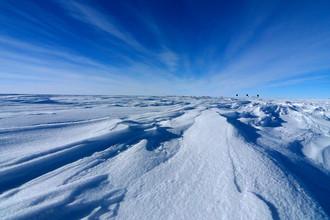 В Антарктиде расположено уникальное подледное озеро Восток, которое на протяжении миллионов лет было полностью изолировано от внешнего мира
