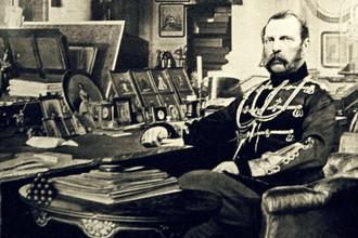 Император Александр II в рабочем кабинете, 1880 год