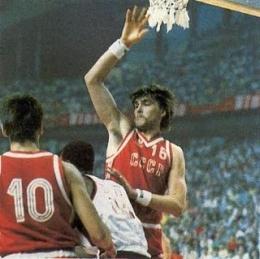 Арвидас Сабонис в игре за сборную СССР на Олимпиаде-1988 в Сеуле