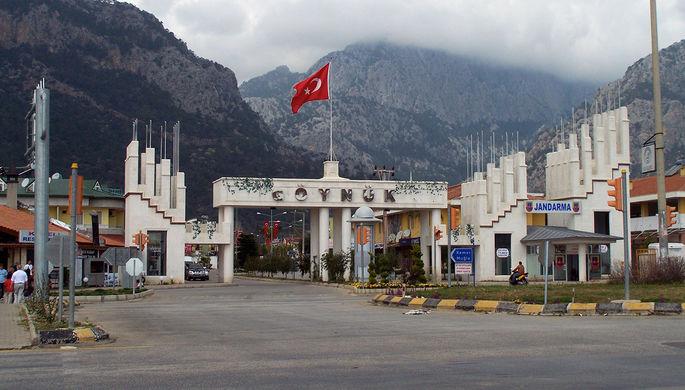 Въезд в город Гейнюк в Турции