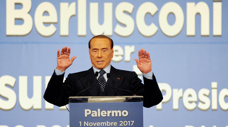 Источник назвал причину госпитализации Берлускони