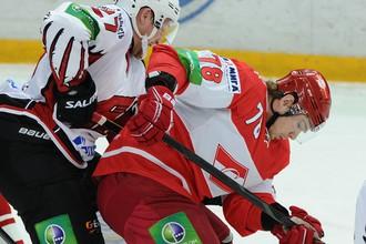 Андрей Анкудинов в единоборстве с Андреем Таратухиным