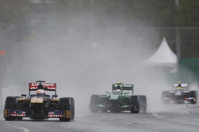 Квалификация гонки Гран-при Австралии прошла под ливень и сильный ветер