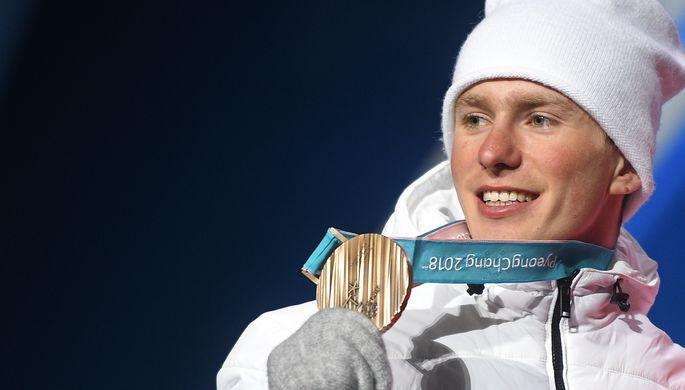 Российский лыжник Денис Спицов с бронзовой медалью Олимпийских игр — 2018