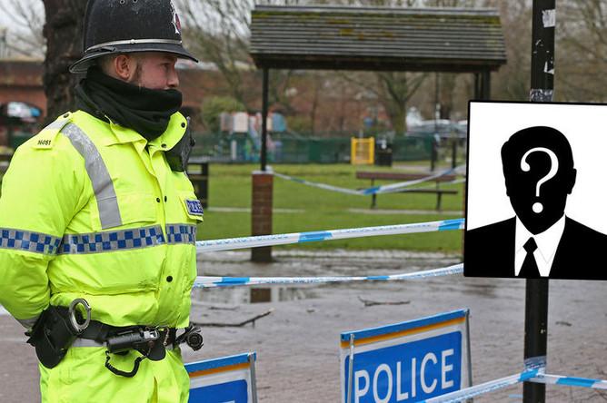 Полицейский около торгового центра в Солсбери, коллаж