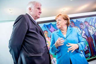 Канцлер ФРГ Ангела Меркель и глава Христианско-социального союза Хорст Зеехофер
