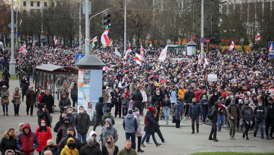 Участники акции протеста в Минске, 1 ноября 2020 года