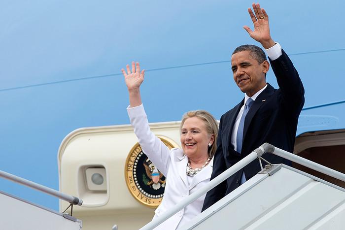 Бывший госсекретарь Хилари Клинтон и президент США Барак Обама