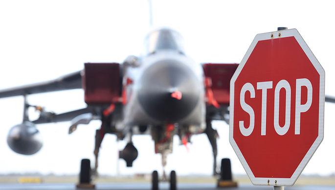 Немецкий боевой реактивный самолет Tornado на аэродроме Шлезвиг-Ягель в Германии