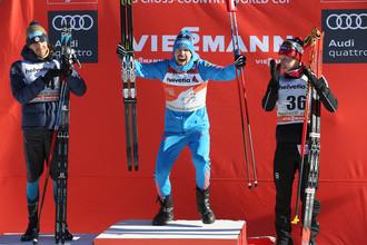 Российский лыжник Сергей Устюгов на пьедестале после очередного этапа «Тур де Ски»