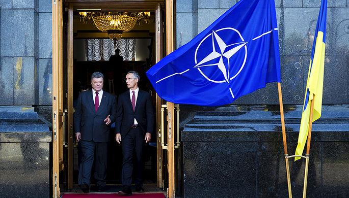 Порошенко поручил привести разведку Украины к стандартам НАТО