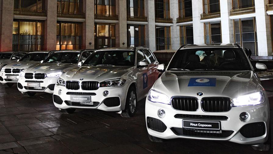 BMW временно закрывает заводы из-за коронавируса