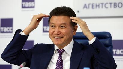 Илюмжинов остался во главе ФИДЕ, но вновь опроверг сообщения СМИ