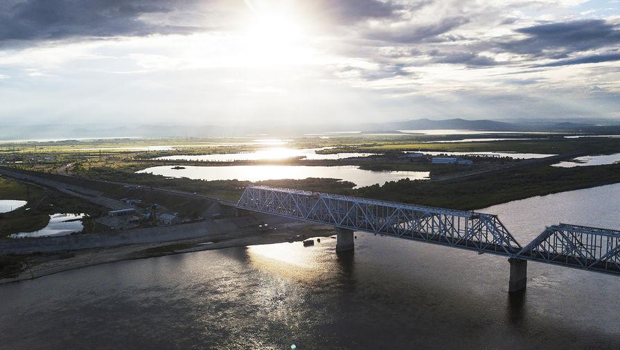 Названы сроки введения в эксплуатацию моста через Амур в Китай