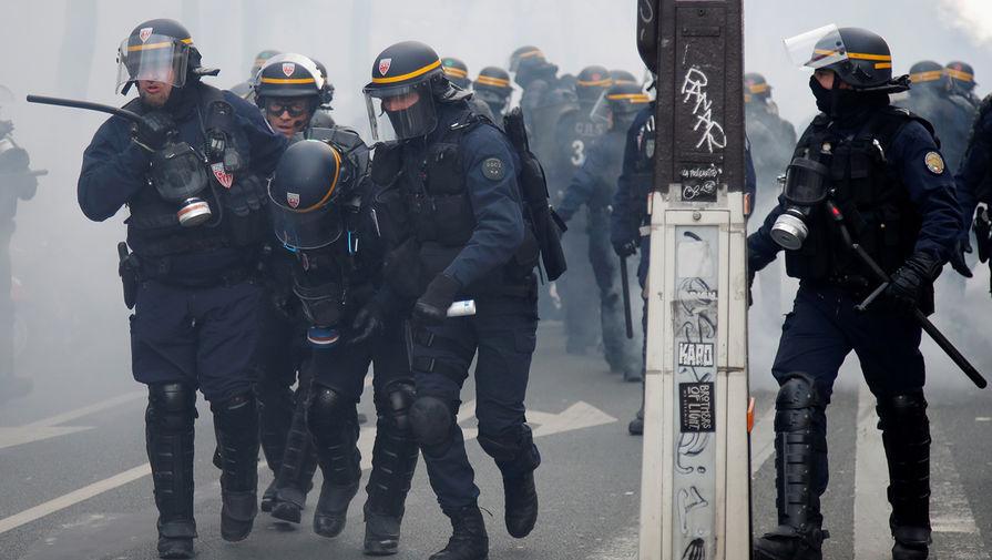 Во время протестов в Париже, Франция, январь 2020 года