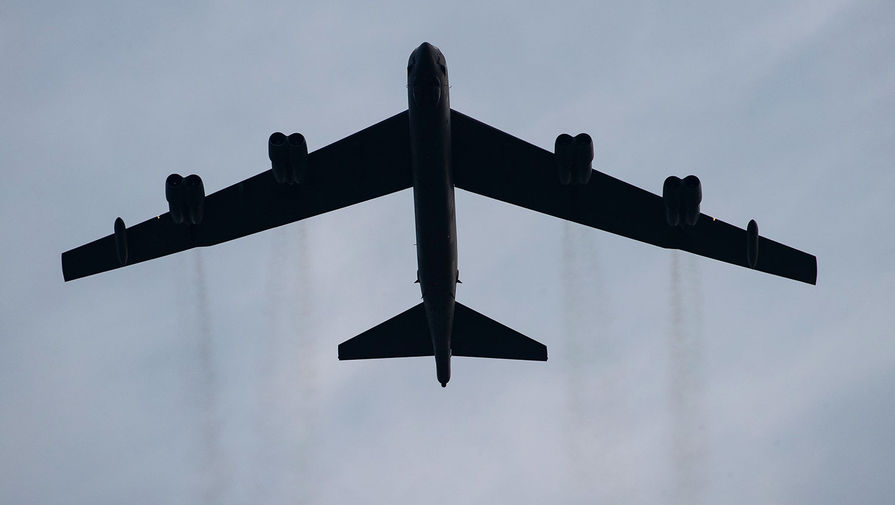 Изучали ПВО: бомбардировщики B-52 засекли около Крыма