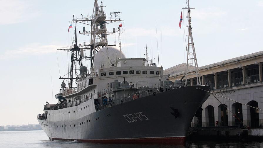 «Беспорядочные маневры»: российский корабль тревожит США