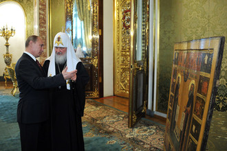 В поездке в Киев патриарх сопровождает президента так же, как и другие члены делегации