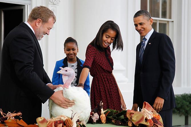 Барак Обама на церемонии помилования в 2011 году