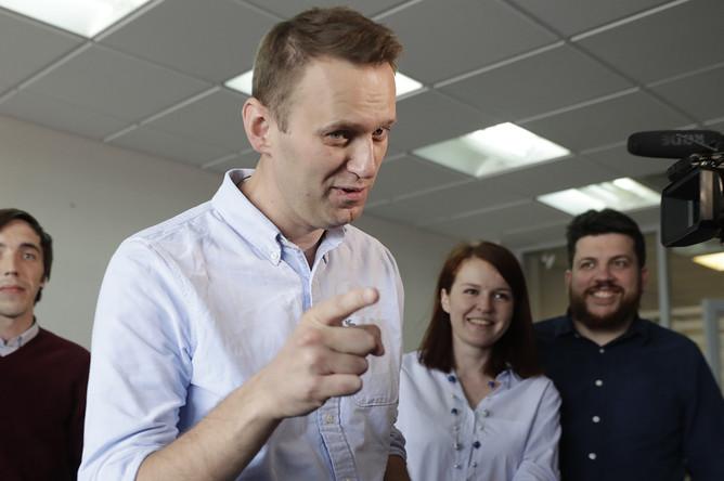 Политик Алексей Навальный во время пресс-конференции в офисе ФБК после 25 суток ареста, 7 июля 2017 года