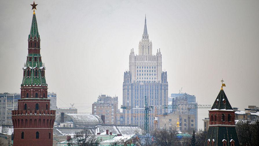 МИД РФ предложил иностранным послам привиться от коронавируса российской вакциной
