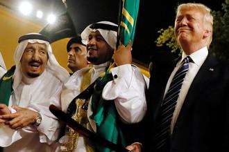 Король Саудовской Аравии Салман ибн Абдул-Азиз Аль Сауд во время встречи президента США Дональда Трампа в Эр-Рияде, май 2017 года