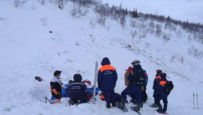 Девочка погибла после схода лавины в Хибинах