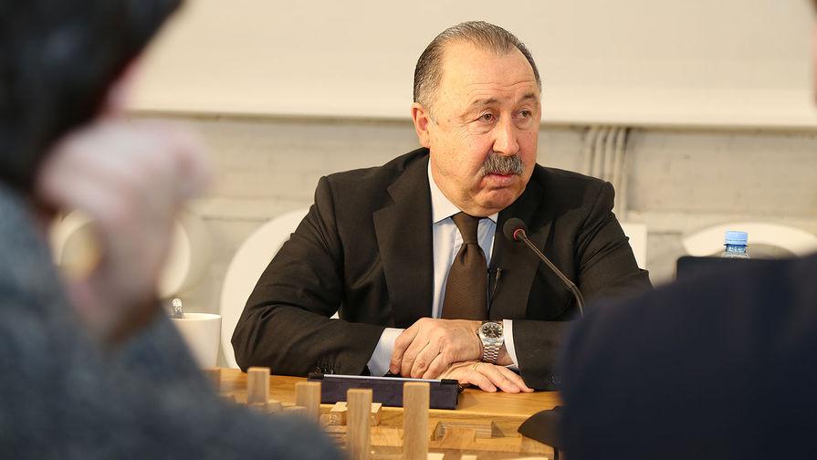 Экс-наставник ЦСКА считает, что тренерский штаб сборной России нужно оставить