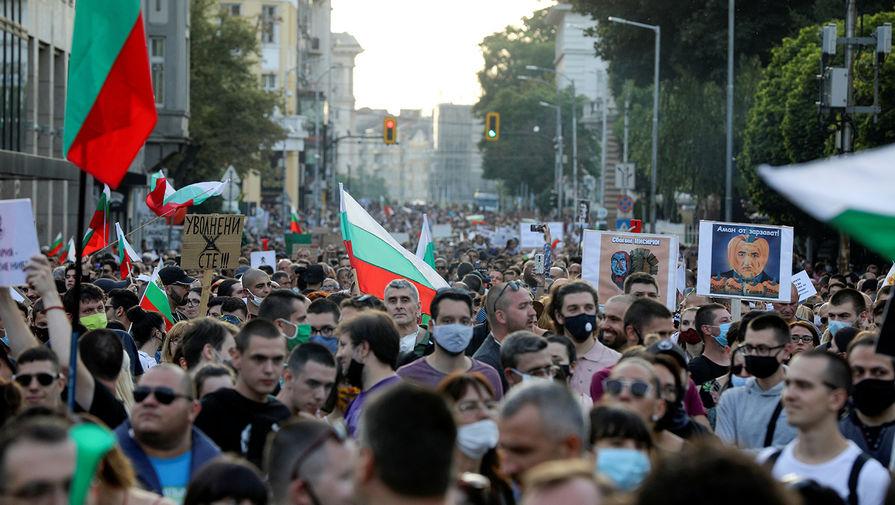 «Служит олигарху»: болгары не добились отставки правительства