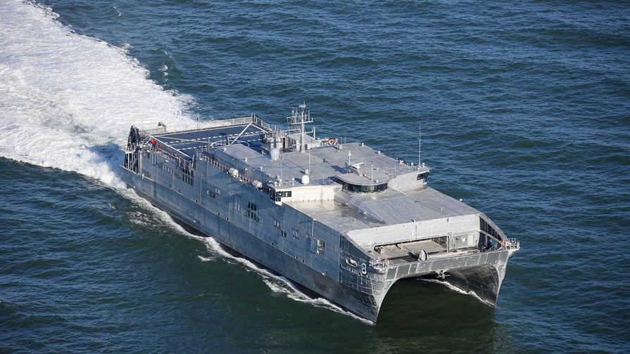 Следить за Yuma: десантный корабль США вошел в Черное море