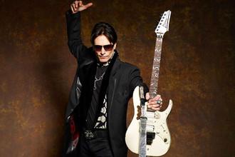 Гитарист-виртуоз Стив Вай