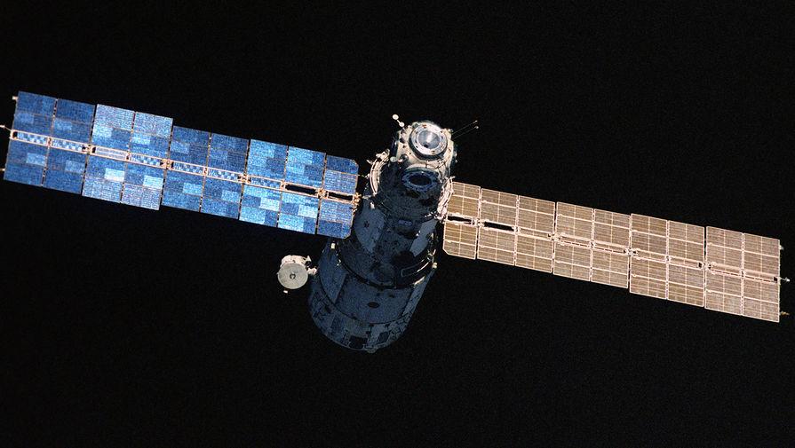 Вид на орбитальную космическую станцию «Мир», 1986 год