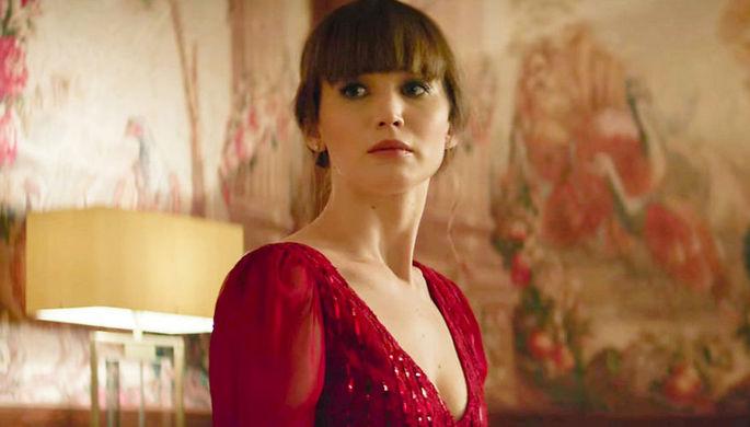 Кадр из фильма «Красный воробей» (2018)