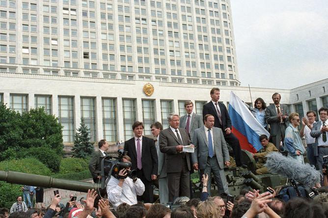 Попытка государственного переворота. Военная техника на улицах Москвы, 19 августа 1991 года
