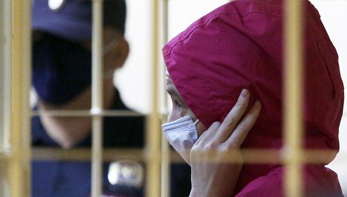 Вдова украинского рэпера Энди Картрайта Марина Кохал, обвиняемая в его убийстве, во время избрания меры пресечения в Смольнинском районном суде, 3 августа 2020 года