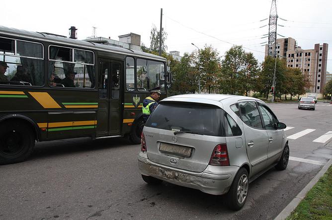 Оформление нарушения ПДД. Задние номерные знаки у автомобиля сгорели и не читаются
