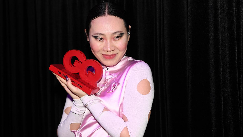 """Хятад гаралтай найруулагч, дуучин, жүжигчин Ян Гэ, """"Эрч хүч"""" шагнал"""