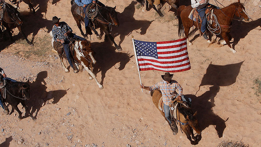 Жители Техаса будут голосовать за выход из США, если Хиллари Клинтон станет президентом. В случае победы кандидата от Демократической партии Хиллари Клинтон на выборах президента США, число жителей Техаса, которые хотят отделиться от Соединенных Штатов, существенно увеличится, свидетельствуют данные соцопроса Time.