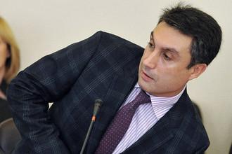 Ректор Государственного университета управления Виктор Козбаненко, обвиняемый в получении взятки, уволен приказом министра образования