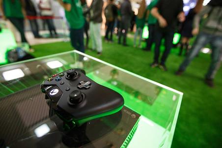 ������ Xbox One ������ ����� � � ������