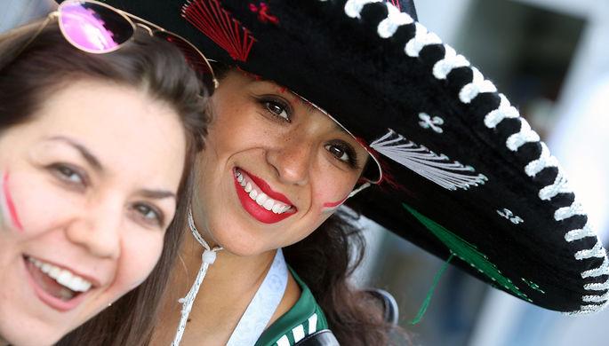 Болельщики сборной Мексики перед матчем группового этапа Кубка конфедераций FIFA между сборными...