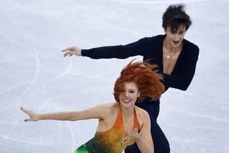 Российские фигуристы Тиффани Загорски и Джонатан Гурейро в короткой программе танцев на льду на Олимпийских играх — 2018