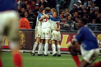 5 июня 1999 года. Футбольный матч Франция — Россия.