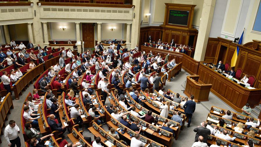 В Раде предложили наказывать украинцев за отказ от вакцинации