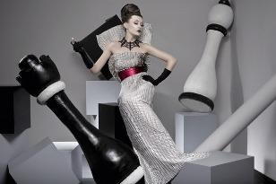 платье в стиле ампир с декоративным.