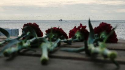 Водолазы поднимают обломки упавшего в Черное море Ту-154