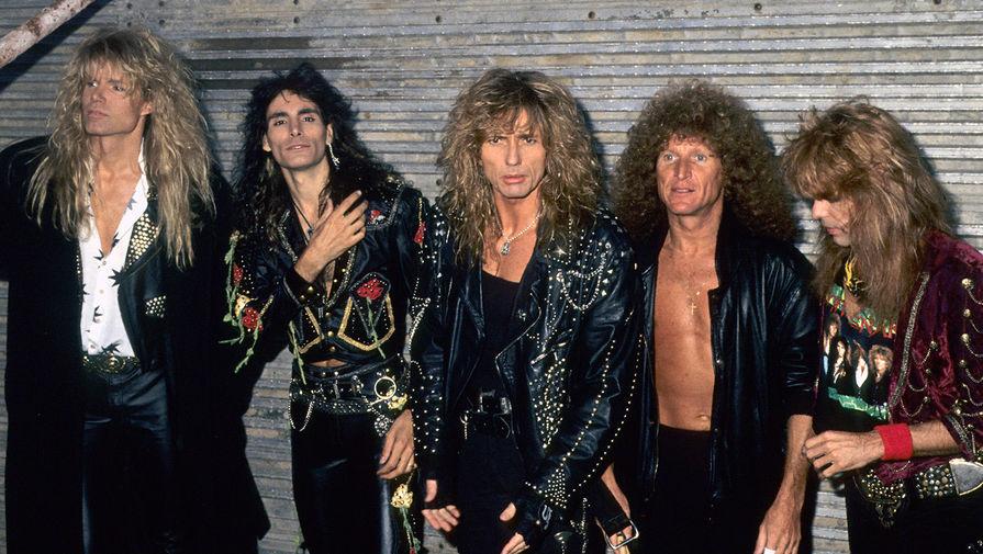 Стив Вай (второй слева) в составе группы Whitesnake, 1980 год