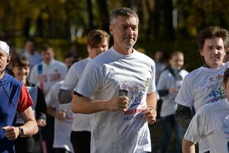 Глава Екатеринбурга Евгений Ройзман во время массового забега «Кросс Нации — 2016»