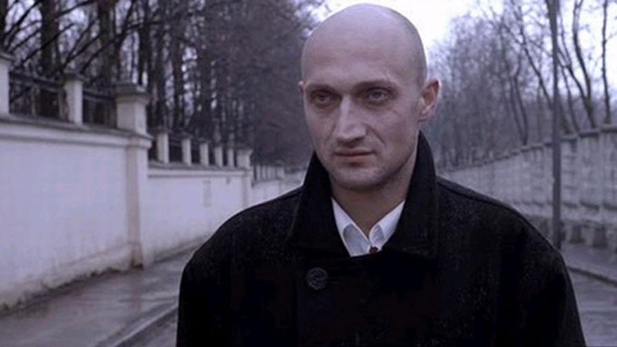 Актер Гоша Куценко. Кадр из фильма «Антикиллер» (2002)